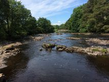 Τα γράμματα Τ ποταμών σε Gainford στοκ φωτογραφία με δικαίωμα ελεύθερης χρήσης