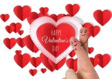 Τα δάχτυλα βαλεντίνων ` s αγαπούν το ζεύγος και τις ευτυχείς καρδιές βαλεντίνων κειμένων και εγγράφου ημέρας βαλεντίνων ` s Στοκ φωτογραφία με δικαίωμα ελεύθερης χρήσης