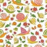Τα διανυσματικά άσπρα συρμένα χέρι σαλιγκάρια και τα λουλούδια επαναλαμβάνουν το σχέδιο Κατάλληλος για το περικάλυμμα, το κλωστοϋ ελεύθερη απεικόνιση δικαιώματος
