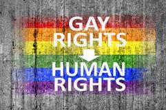Τα δικαιώματα ομοφυλοφίλων είναι τα ανθρώπινα δικαιώματα και σημαία LGBT που χρωματίζεται στο υπόβαθρο Στοκ Φωτογραφία