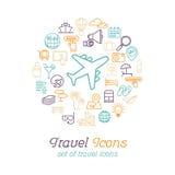 Τα εικονίδια γραμμών ταξιδιού και τουρισμού καθορισμένα το επίπεδο σχέδιο, πρότυπο σχεδίου λογότυπων Στοκ εικόνα με δικαίωμα ελεύθερης χρήσης