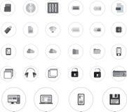 Τα εικονίδια τεχνολογίας καθορισμένα black&white τον κύκλο Διανυσματική απεικόνιση