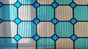 τα λεκιασμένα παράθυρα γυαλιού Παράθυρο στοκ φωτογραφία με δικαίωμα ελεύθερης χρήσης