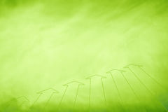 Τα εννοιολογικά πράσινα βέλη αντιγράφουν το διαστημικό υπόβαθρο Στοκ Φωτογραφίες