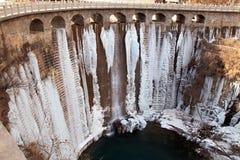 Τα εξαιρετικά παγωμένα κρύος καιρός παγάκια Στοκ Φωτογραφία