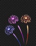 Τα εορταστικά ιώδη, κίτρινα και μπλε πυροτεχνήματα χαιρετίζουν, λάμψεις σε ένα διαφανές ελεγμένο υπόβαθρο ελεύθερη απεικόνιση δικαιώματος