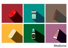 Τα επίπεδα εικονίδια ιατρικής θέτουν με τη μακριά σκιά, διανυσματική εικόνα φαρμάκων, πακέτο χαπιών, περίληψη Στοκ Εικόνες