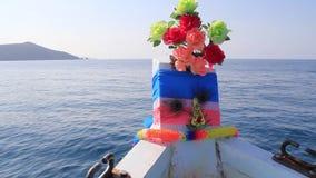 Τα επιπλέοντα σώματα βαρκών στις ανοικτές θάλασσες απόθεμα βίντεο