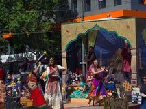 """Τα επιπλέοντα σώματα """"Nellie/Bollywood """"φαντασίας αποδίδουν στην παρέλαση θεάματος Χριστουγέννων πιστωτικής ένωσης του 2018 στοκ φωτογραφία με δικαίωμα ελεύθερης χρήσης"""