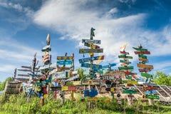 Τα επισκέπτης σημάδια στο Kuterevo αντέχουν το καταφύγιο, Κροατία Στοκ Εικόνες