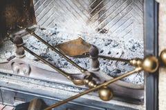 Τα εργαλεία για είναι στην καπνοδόχο φούρνων Στοκ εικόνες με δικαίωμα ελεύθερης χρήσης