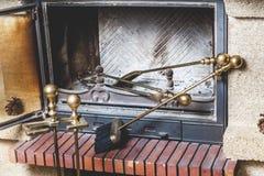 Τα εργαλεία για είναι στην καπνοδόχο φούρνων Στοκ Φωτογραφία