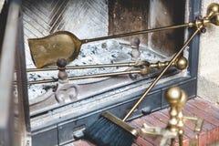 Τα εργαλεία για είναι στην καπνοδόχο φούρνων Στοκ εικόνα με δικαίωμα ελεύθερης χρήσης