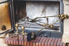 Τα εργαλεία για είναι στην καπνοδόχο φούρνων Στοκ φωτογραφίες με δικαίωμα ελεύθερης χρήσης