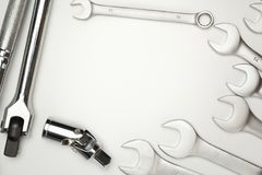 Τα εργαλεία χάλυβα γαλλικών κλειδιών για την επισκευή στοκ εικόνες