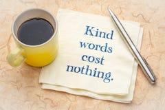 Τα ευγενικά λόγια δεν κοστίζουν τίποτα - σημειώστε στην πετσέτα στοκ εικόνες