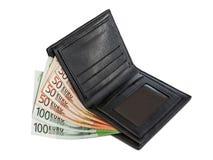 Τα ευρώ είναι στο μαύρο πορτοφόλι Στοκ Φωτογραφία