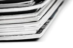 Τα ζωηρόχρωμα περιοδικά κλείνουν επάνω στοκ φωτογραφία