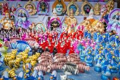 Τα ζωηρόχρωμα χειροποίητα παιχνίδια, κάλεσαν τοπικά Khelna, σε μια έκθεση Bangla Pohela Baishakh στοκ φωτογραφία