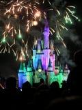 Τα διάσημα νυχτερινά θεαματικά πυροτεχνήματα επιθυμιών Στοκ Φωτογραφίες