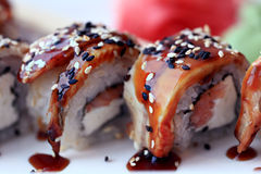 Τα ιαπωνικά τρόφιμα είναι σούσι Στοκ εικόνα με δικαίωμα ελεύθερης χρήσης