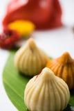 Τα ινδικά γλυκά τρόφιμα κάλεσαν modak προετοιμασμένος συγκεκριμένα στο φεστιβάλ ή ganesh το chaturthi ganesh Στοκ φωτογραφίες με δικαίωμα ελεύθερης χρήσης