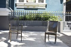 Τα καθημερινά οικιακά αντικείμενα γίνονται δημόσια τέχνη σε μια πολύ δημόσια θέση, 4 Στοκ Εικόνες