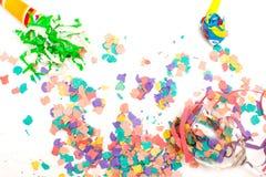 τα καπέλα κομφετί μπαλονιών αντιτίθενται συμβαλλόμενο μέρος Στοκ Εικόνες