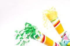 τα καπέλα κομφετί μπαλονιών αντιτίθενται συμβαλλόμενο μέρος Στοκ Φωτογραφία