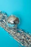 τα καπέλα κομφετί μπαλονιών αντιτίθενται συμβαλλόμενο μέρος Στοκ εικόνες με δικαίωμα ελεύθερης χρήσης