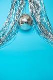 τα καπέλα κομφετί μπαλονιών αντιτίθενται συμβαλλόμενο μέρος Στοκ εικόνα με δικαίωμα ελεύθερης χρήσης