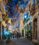 Τα καταπληκτικά φω'τα καλλιτεχνών ` Luci δ ` Artista ` στο Σαλέρνο κατά τη διάρκεια του χρόνου Χριστουγέννων, Campania, Ιταλία Στοκ Φωτογραφία