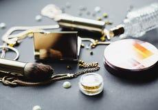 Τα καλλυντικά αποτελούν τα αντικείμενα καλλιτεχνών Στοκ φωτογραφίες με δικαίωμα ελεύθερης χρήσης