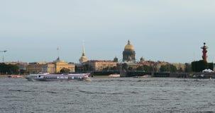 Τα κεντρικά ορόσημα της Άγιος-Πετρούπολης, Ρωσία, φθινόπωρο 2018, κτήρια ναυαρχείου φιλμ μικρού μήκους