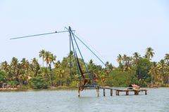 Τα κινεζικά δίχτυα του ψαρέματος Τέλματα του Κεράλα Στοκ Εικόνες