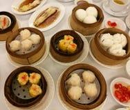 Τα κινεζικά τρόφιμα στην πόλη της Κίνας, ποικιλία του αμυδρού ποσού έθεσαν στο τοπικό εστιατόριο στο γεύμα της Κίνας, παραδοσιακο Στοκ φωτογραφία με δικαίωμα ελεύθερης χρήσης