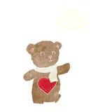 τα κινούμενα σχέδια teddy αντέχουν με την καρδιά αγάπης με τη σκεπτόμενη φυσαλίδα Στοκ φωτογραφία με δικαίωμα ελεύθερης χρήσης