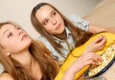 τα κορίτσια κινηματογράφ&ome στοκ φωτογραφίες