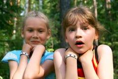 τα κορίτσια φόβισαν δύο Στοκ εικόνα με δικαίωμα ελεύθερης χρήσης