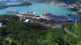 Τα κρουαζιερόπλοια έδεσαν στο Σαρλόττα Amalie, παραλιακή πόλη στον Άγιο Thomas, Άγιος Thomas, U S νησιά Virgin φιλμ μικρού μήκους
