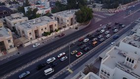 Τα κτήρια στο εμιράτο του Ντουμπάι εναέρια όψη Εθνική οδός Εναέρια άποψη του εμπορικού κέντρου του Ντουμπάι Τοπ άποψη Στοκ Εικόνες