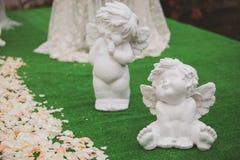 Τα λουλούδια διακοσμούν έναν όμορφο γάμο Στοκ φωτογραφία με δικαίωμα ελεύθερης χρήσης