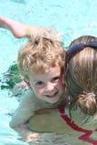 τα μαθήματα κολυμπούν Στοκ Φωτογραφίες