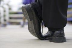 Τα μαύρα παπούτσια του εγκιβωτίζοντας διαιτητή στο εγκιβωτίζοντας δαχτυλίδι : στοκ φωτογραφία με δικαίωμα ελεύθερης χρήσης