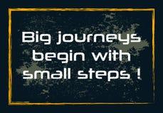 Τα μεγάλα ταξίδια αρχίζουν με τη μικρή διανυσματική θετική έννοια αποσπάσματος κινήτρου βημάτων εμπνευσμένη διανυσματική απεικόνιση