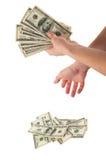τα μετρώντας χέρια περιοχής απομόνωσαν τα μεγάλα χρήματα πέρα από το λευκό κειμένων σας Στοκ Εικόνες