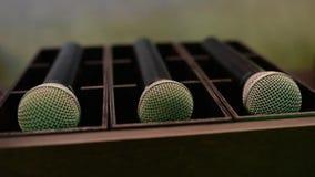 Τα μικρόφωνα βρίσκονται στον υπαινιγμό απόθεμα βίντεο