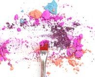 Τα μικτά χρώματα και κοκκινίζουν αποτελούν την καλλυντική σκόνη Στοκ Εικόνες