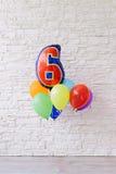 Τα μπαλόνια λογαριάζουν έξι Στοκ φωτογραφία με δικαίωμα ελεύθερης χρήσης