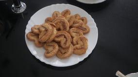 τα μπισκότα καλύπτουν το λευκό απόθεμα βίντεο